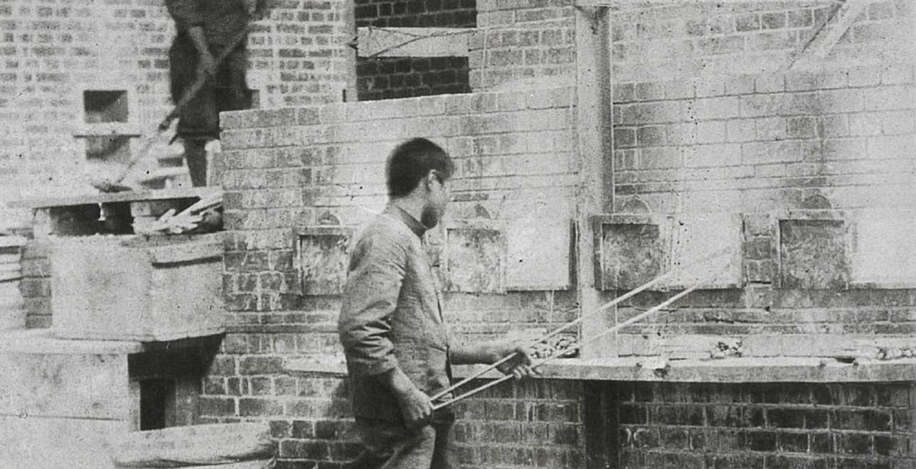 明治末期(1912年)ころの東京工場。